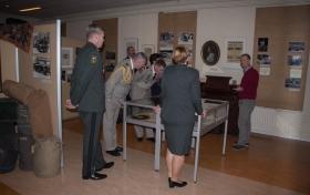 Bezoek FRA Ambassadeur aan museum