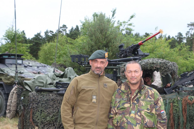 Sergeant-majoor Kuipers en Sergeant-majoor Ector