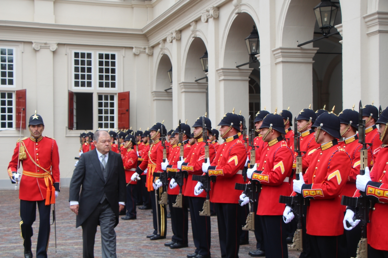 Inspectie door de ambassadeur van Mexico