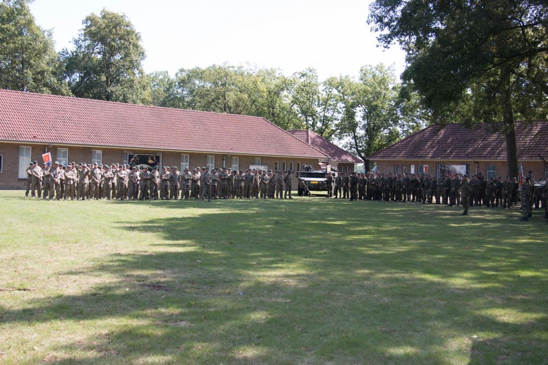 Het bataljon opgesteld